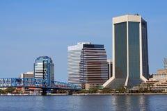 Skyline Jacksonville-Florida entlang dem Fluss Lizenzfreies Stockbild