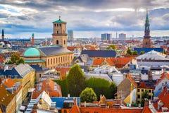 Skyline Kopenhagens, Dänemark stockbilder