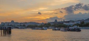 Skyline Londons Themse vom Southbank Lizenzfreies Stockbild