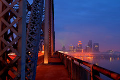 Skyline Louisville-, Kentucky am Sonnenaufgang Lizenzfreie Stockfotografie