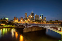 Skyline of Melbourne downtown, Princess Bridge and Yarra River a Stock Photography