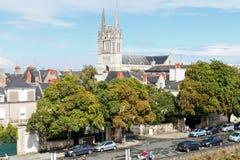 Skyline mit Heiligem Maurice Cathedral verärgern herein stockfotografie