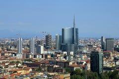 Skyline moderna nova em Milão Fotos de Stock