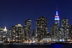 Skyline na noite, New York City de Manhattan Fotos de Stock