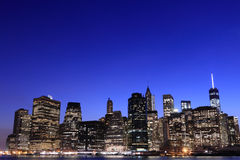 Skyline na noite, New York City do Lower Manhattan Fotografia de Stock Royalty Free