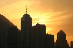 Skyline no crepúsculo imagens de stock