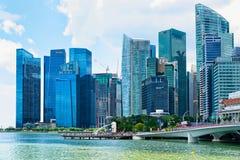 Skyline no núcleo do centro em Marina Bay Financial Center Singapor Imagem de Stock Royalty Free