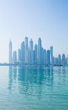 Skyline obscura do porto de Dubai Imagens de Stock