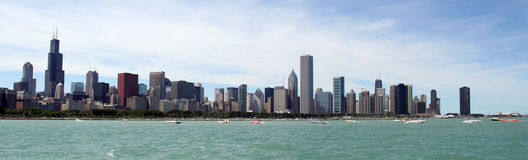 Skyline panorâmico de Chicago Imagens de Stock
