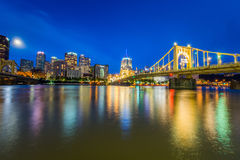 Skyline of Pittsburgh, Pennsylvania fron Allegheny Landing acros Stock Photos