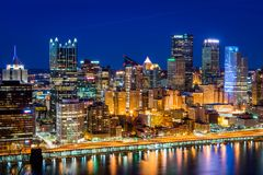 Skyline of Pittsburgh, Pennsylvania at night from mount washingt Stock Images