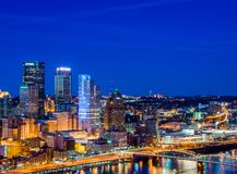 Skyline of Pittsburgh, Pennsylvania at night from mount washingt Stock Photography