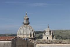 Skyline Ragusa Ibla - Duomo San Giorgio. Vista posteriore del Duomo di San Giorgio su Skyline di Ragusa Ibla royalty free stock image