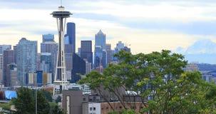 Skyline Seattles, Washington und des Mount Rainier 4K stock video footage