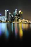 Skyline Singapurs CBD nachts Lizenzfreie Stockfotografie