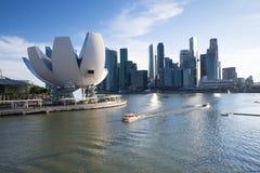 Skyline Singapurs - 10. Juli Singapur, zentrales Geschäftsgebiet, Art Science Museum an am 10. Juli 2013 Stockfoto