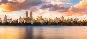 Skyline superior do lado oeste de New York imagem de stock