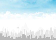 Skyline und blauer Himmel mit Wolken stockfotografie