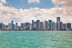 Skyline und Bucht Miamis Florida Lizenzfreie Stockbilder