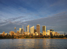 Skyline View of Sydney at dawn seen from the botan Royalty Free Stock Photos
