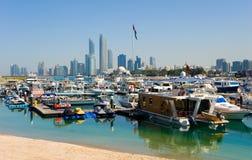 Skyline von Abu Dhabi Stockbilder