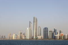 Skyline von Abu Dhabi Lizenzfreies Stockfoto