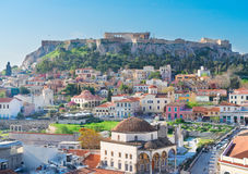 Skyline von Athenth mit Akropolishügel Lizenzfreie Stockfotografie