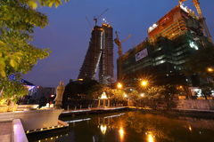 Skyline von Colombo in Sri Lanka nachts stockbild