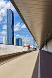 Skyline von Donau-Stadt Wien und von nagelneuen DC-Turm Lizenzfreie Stockfotos