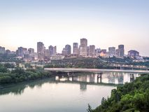 Skyline von Edmonton im Stadtzentrum gelegen, Alberta, Kanada stockfotos