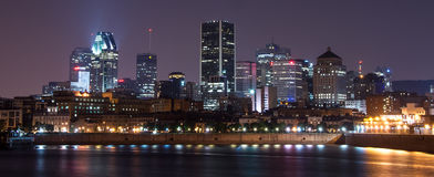 Skyline von im Stadtzentrum gelegenem Montreal Lizenzfreies Stockbild
