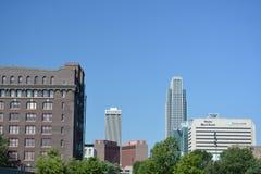 Skyline von im Stadtzentrum gelegenem Omaha, Nebraska Stockbild