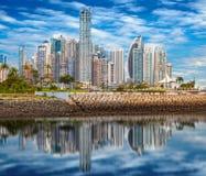 Skyline von Panama City stockbild