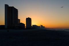 Skyline von Panama-Stadt Strand, Florida bei Sonnenaufgang lizenzfreie stockfotos