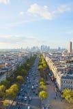 Skyline von Paris und von La-Verteidigungsbezirk, Frankreich Stockfotografie
