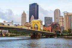 Skyline von Pittsburgh, Pennsylvania-fron Allegheny Landung acros Stockfoto