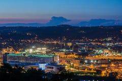 Skyline von Pittsburgh, Pennsylvania vom Berg Washington bei Nig Lizenzfreies Stockbild