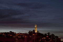 Skyline von San Francisco mit Coit Kontrollturm Stockfoto