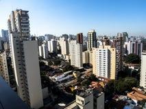 Skyline von Sao Paulo im Stadtzentrum gelegen stockbilder