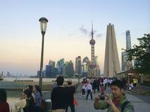 Skyline von Shanghai sahen vom Suzhou in Puxi an Lizenzfreie Stockbilder