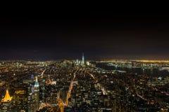 Skylinenachtszenen in Manhattan NYC Stockfotos