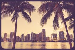 Skylineretrostil Miamis Florida Stockfotos