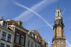 Skylinestadt Zutphen mit dem ehemaligen Turm wiegen Haus stockfoto