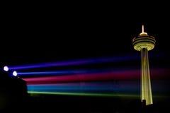 Skylon Kontrollturm nachts lizenzfreie stockfotografie