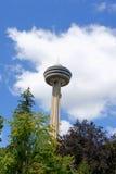 Skylon torn på Niagara Falls, Kanada Royaltyfria Bilder