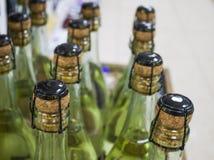 Skyltfönster som fylls med alkoholdrycker arkivfoto
