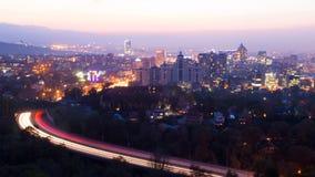 Skymning över Almaty royaltyfria foton