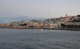 Skymning över den Vieste staden Royaltyfria Foton