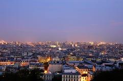 Skymning över Paris - bred panoramics Arkivfoto