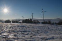 Skymning av vindkraft i malmbergen Fotografering för Bildbyråer